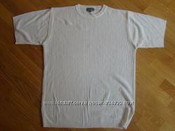 Красивая футболка  MONTIQUE в отличном состоянии