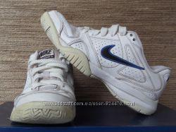 кросівки Nike 36. 5