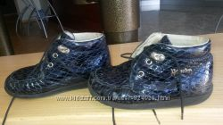 ботинки синие Naturino 25 размер змеиная фактура
