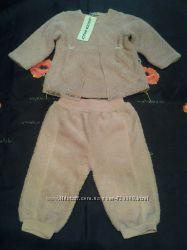 фирменный теплый нарядный красивый костюм с гипюром кружевом как новый