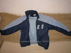 Стильная фирменая курточка - ветровка  NIKE