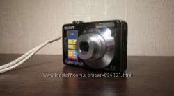 Фотоапатат цифровой  Sony Cyber Shot. В очень хорошем состоянии.