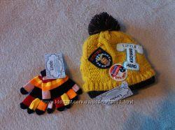 Новая теплая зимняя детская шапка с нашивками