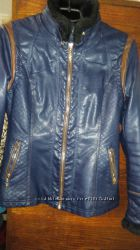 Стильная курточка.
