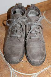 Ботинки замшевые в отличном состоянии 38 р.