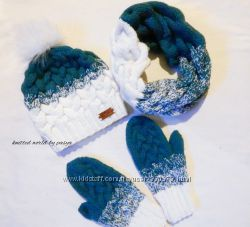 Комплект шапка варежки и хомут Эльза