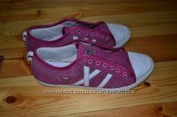 жіночі кеди-кросовки