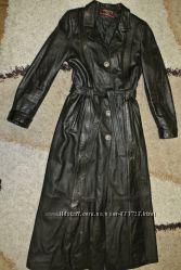 Очень красивое кожаное пальто и сапоги 38р.
