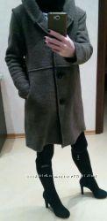 Продам пальто Италия 70 шерсти размер универсальный