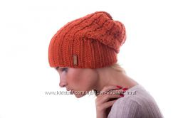 Красиво стильно шапка колпак цвета шерсть