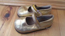 Золотые туфли на девочку, кожа