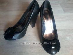 Туфли черные с бантом