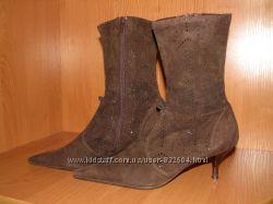 Красивые замшевые ботинки Audley