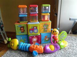 Игрушки и кубики хорошее состояние