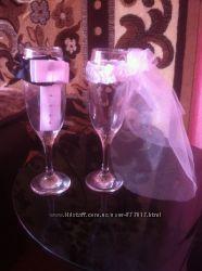 Одежда на свадебные бокалы