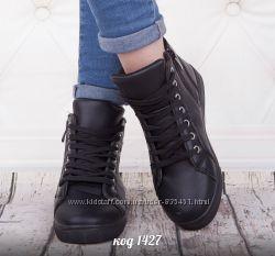 черние ботинки с еко кожи