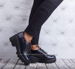 ботинки из натуральной лаковой кожи
