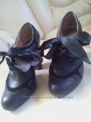 Туфли , ботики . Состояние идеальное.