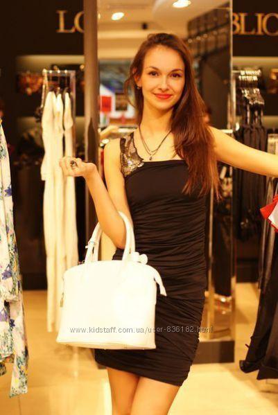 Стильное вечернее маленькое черное платье Love Republic