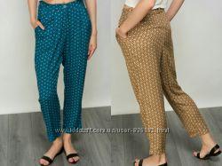 Стильные легкие штаны befree