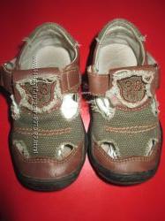 обувь мальчику 20р две пары 500руб