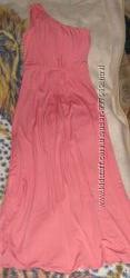 платье в пол кораллового цвета и хищный принт