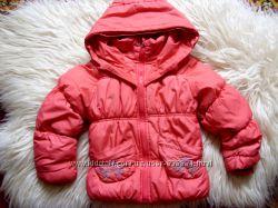 Тёплая зимняя куртка для девочки на 4-6 лет