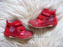 Очень красивые ботиночки Шалунишка, стелька 15, 8 см