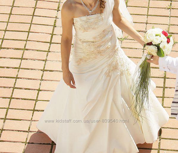Шикарное изящное свадебное платье 42-46р
