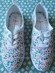 Летняя обувь - тапочки в цветочек Primark