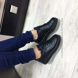 женские кроссы черного цвета