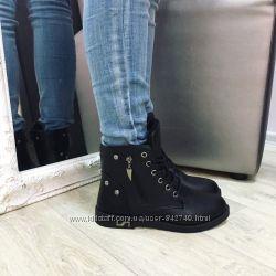 ботинки черного цвета