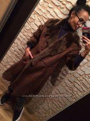 Стильная коричневая дубленка-пальто