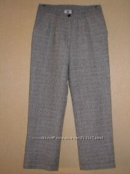 Стильные брюки в клетку серого цвета