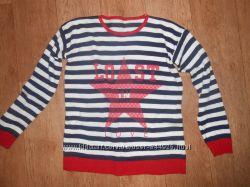 Легкий свитер в полоску в идеале М