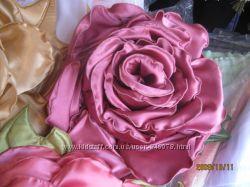 Подушечка роза ручной работы.