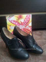 Туфли BRASKA 40 р. по стельке 26 см
