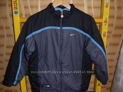 Курточка Nike р. 140
