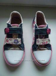 Продам летнюю обувь Oldnavy. BAREN SCHULE. KUMI, Clarks