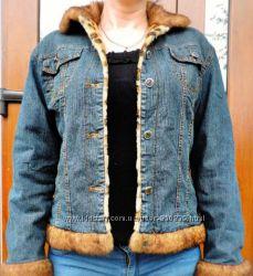 Джинсовая стильная куртка утеплённая