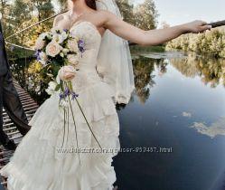 Продам свадебное платье цвета шампань  S-M