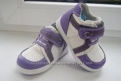 Демісезонні кросівки для дівчаток Calorie