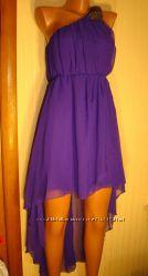Платье AX Paris.