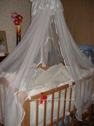 Кровать деревянная детская с матрасом, балдахином, защитой