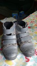 Демисезонные ботинки фирмы Blooms .