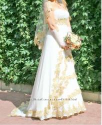 Сногсшибательное платье с золотом