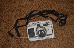 Универсальная сумочка с принтом фотоаппарат, в комплекте два съемных ремня
