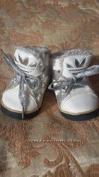 Классные кроссовки  Adidas
