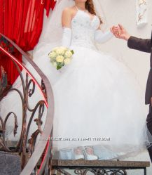 Шикарное свадабное платье камни жемчуг актуально ручная роботаподарки