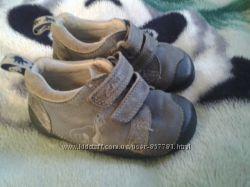 Суперові  кросовочки Clarks натуральна шкіра розмір 19-19, 5
